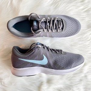 Nike Revolution 4 Wide Running Shoes New